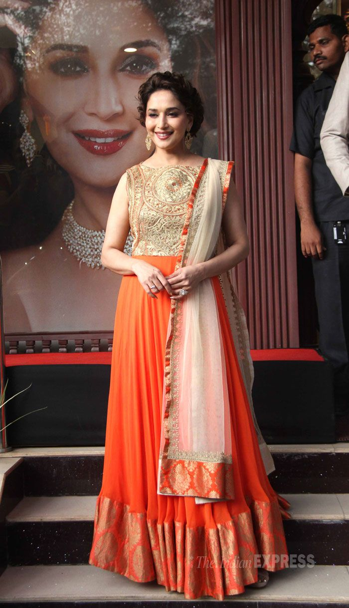 Nov, 13: Madhuri promoting her upcoming film 'Dedh Ishqiya' (IE Photo: Varinder Chawla)
