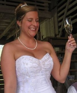 How to make a great bride's wedding speech ... Increasingly, brides are making speeches at their weddings as well as or instead of the traditional all-male line up. If you're a soon-to-be bride, or you know someone who is, here's a handy tutorial to help give a speech to remember... read on!