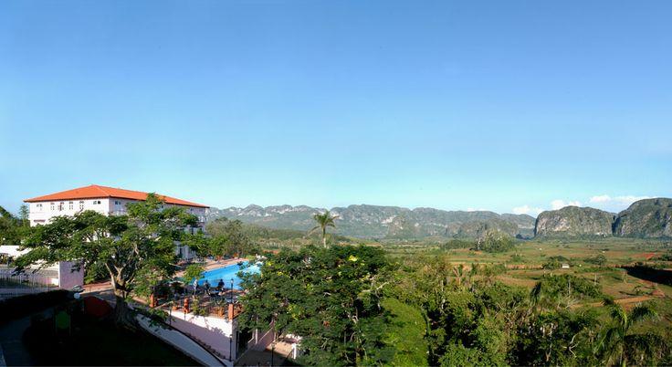 Belvedere dell'Hotel Los Jazmines. Da qui è possibile ammirare il panorama unico della Valle de Viñales.