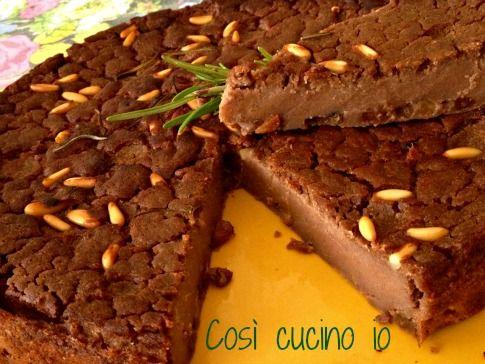 Castagnaccio alla fiorentina (ricetta tradizionale)