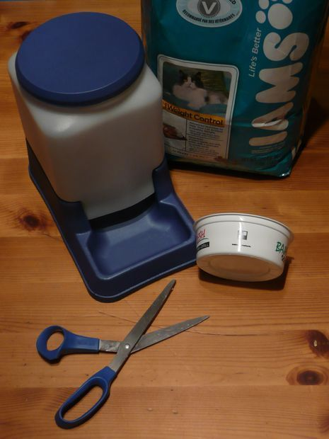 diy, cat powered automatic feeder