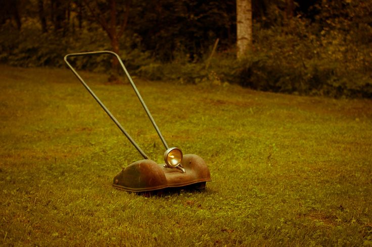 20 best vintage lawn mowers images on pinterest lawn mower engine and grass cutter. Black Bedroom Furniture Sets. Home Design Ideas