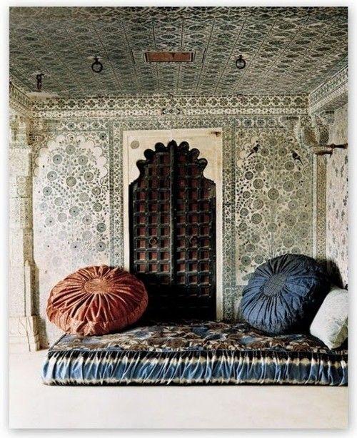 beautiful walls and cushions