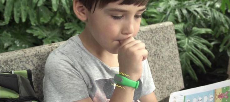 Avec le bracelet Liv, fini les ongles rongés