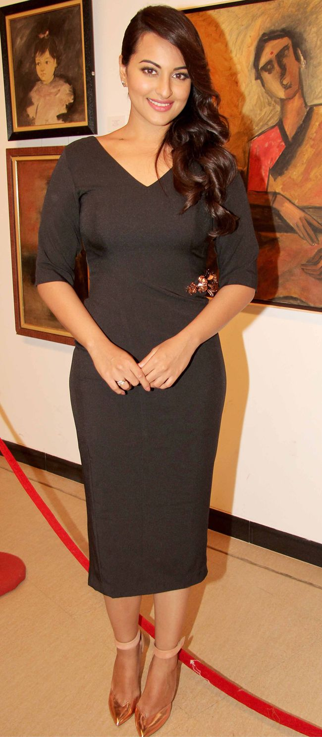 Sonakshi Sinha at an art event looking radiant in black Nikhil Thampi sheath