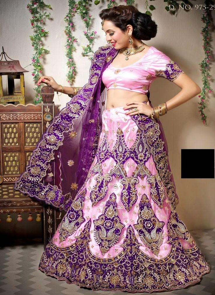 Buy all latest designer wedding lehenga Choli, indian Designer wedding lehengas with different fabrics like silk, net, brasso, chanderi, and work like handwoven lehengas, printed lehengas, embroidered lehengas for all kind of occasions. More information visit our site www.chennaistore.com