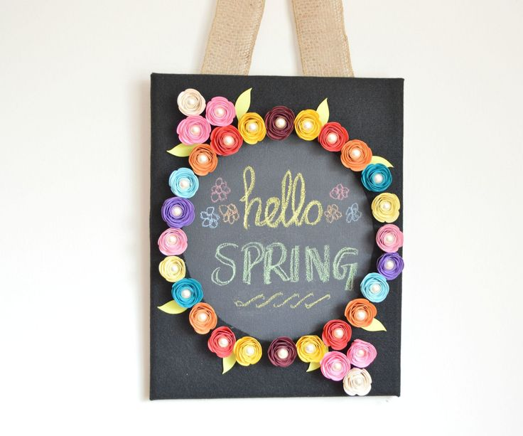 DIY Chalkboard Canvas With Interchangeable Paper Roses for All Seasons