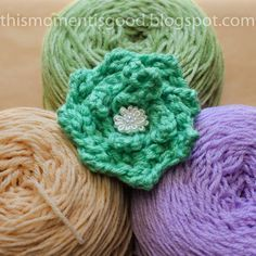 Loom knit flower. Free loom knitting patterns by This Moment is Good...: Loom Knitting