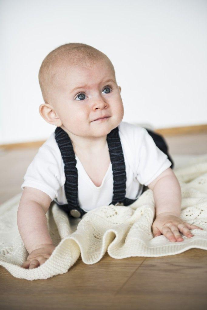 2015-6: Babysvøb i Easy Care. Hent opskriften gratis på mayflower.dk (Knitting, Strik, Gratis strikkeopskrift, Free pattern)