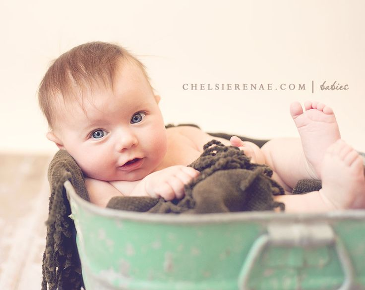 3 month photo idea - is there anything cuter than a baby in a basket/bucket? nope!   @Lindsey Augustine