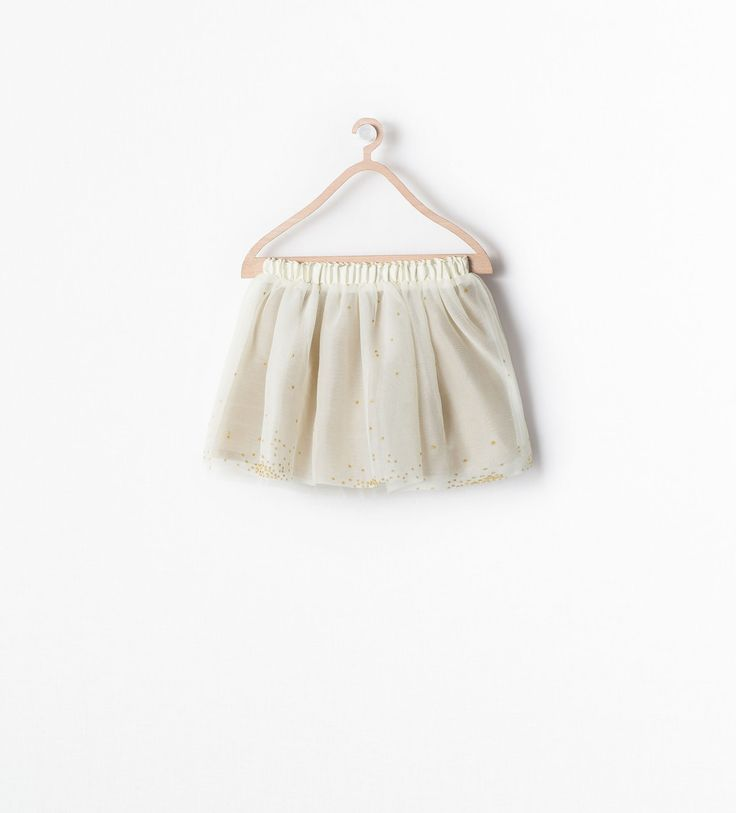 http://www.zara.com/nl/nl/kinderen/meisjes-(3-14-jaar)/rokken-en-shorts/geschulpte-tule-rok-met-sterren-c269257p2281501.html