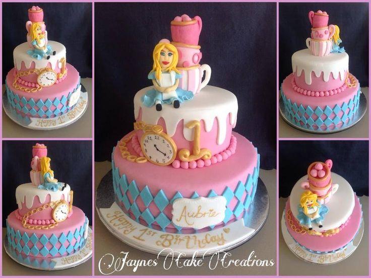 2 TIER ALICE IN WONDERLAND THEMED CAKE