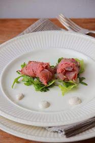 Rolletje van rosbief met tartaar van tonijn