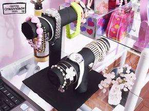 Confira como reciclar rolinho de papel higiênico e rolinho de papel toalha e transformá-los em um organizador de relógios e porta pulseiras com reciclagem!