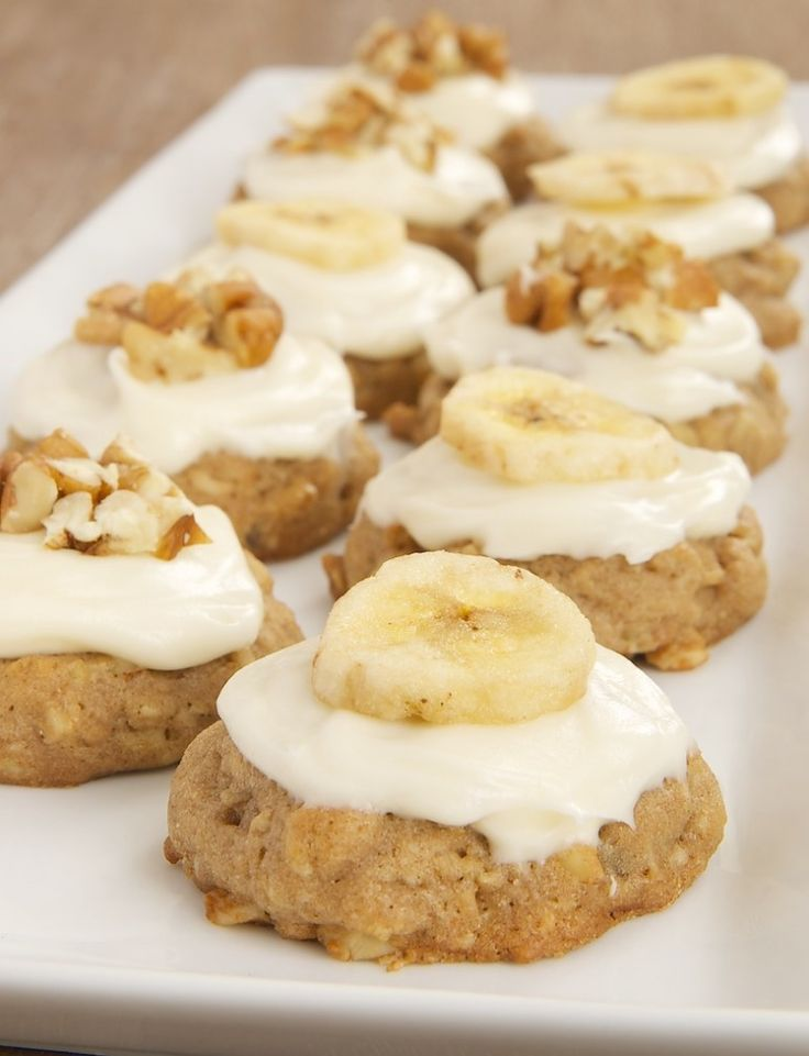 Hummingbird Oatmeal Cookies Recipe ~ a wonderfully delicious combination of bananas, pineapple, cinnamon, and nuts, all topped off with cream cheese frosting
