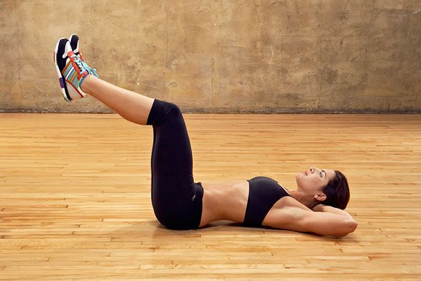 Te contamos los 5 mejores ejercicios para tonificar los rebeldes abdominales inferiores. Estos ejercicios tienen que ir acompañados de una dieta equilibrada y quema de grasa.