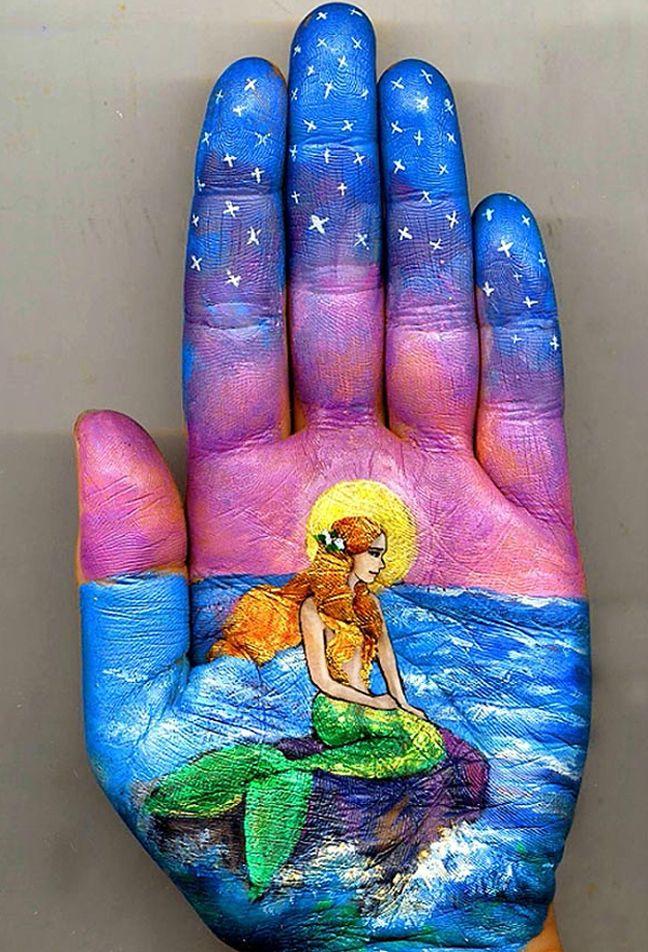 hand art Lifelike ... mermaid