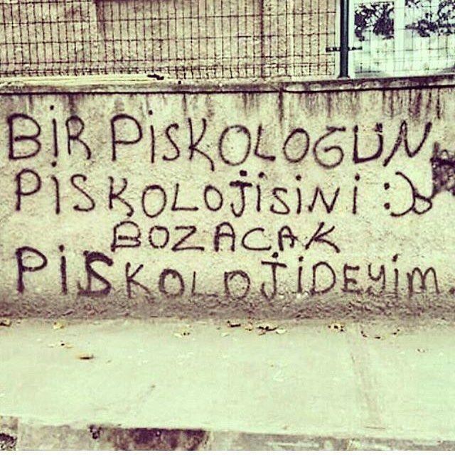 Bir psikologun psikolojisini bozacak psikolojideyim. #sözler #anlamlısözler…