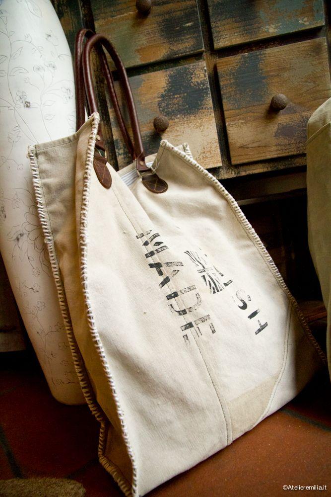 Borse intessuto e manici in pelle . da I Tesori Coloniali #itesoricoloniali #bags #borse #accessori #moda