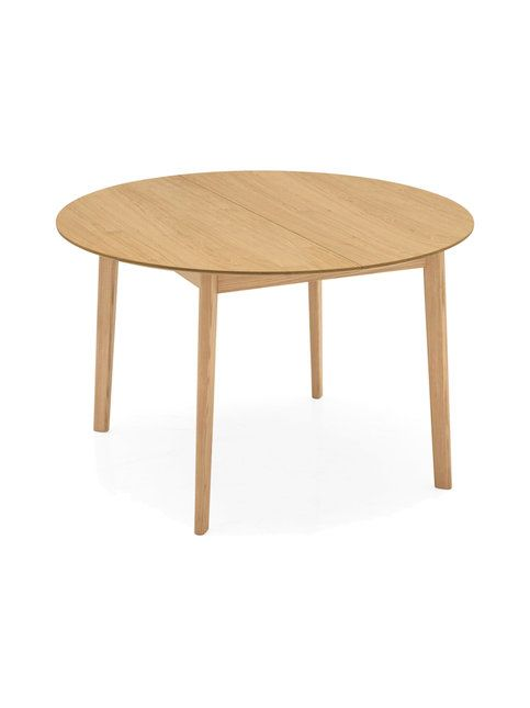Calligaris Cream -pöydän pelkistetyssä muotoilussa on kiinnitetty erityistä huomiota yksityiskohtiin: puisessa pöydässä on kaunis tammivaneritaso sekä kulmistaan pyöristetyt tammijalat. Pyöreän, halkaisijaltaan 120 cm pöydän voi jatkaa tarvittaessa 160 cm pituiseksi levittämällä päätypalat erilleen ja nostamalla niiden alle, keskelle sijoitetun kaksiosaisen jatkopalan esiin. Pöydän korkeus on 75 cm.