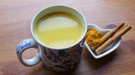 Une boisson puissante au curcuma, à la cannelle et au miel pour stimuler la fonction cérébrale ! (RECETTE)