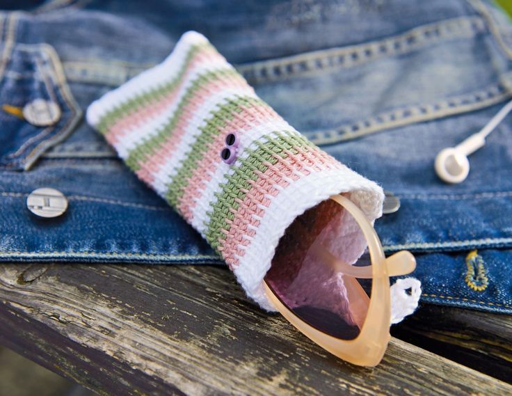 Tunisian crochet pattern: glasses case Tutorial ༺✿Teresa Restegui http://www.pinterest.com/teretegui/✿༻