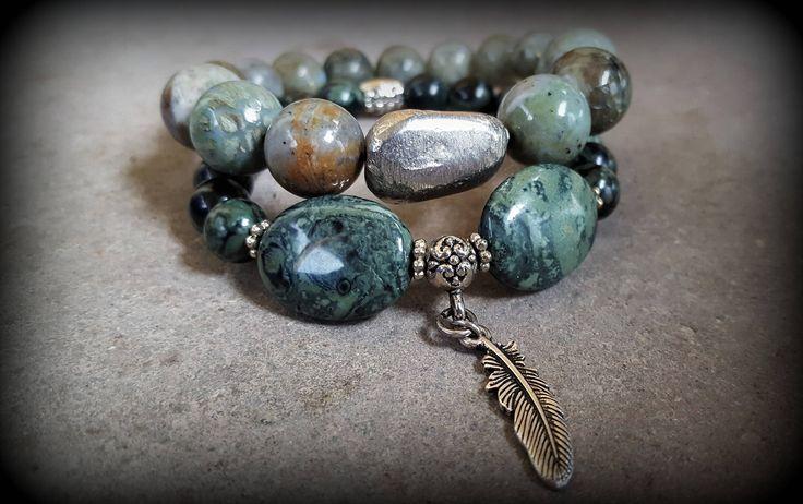 Set of 2 stretch gemstone bracelets. Kambaba jasper with feather charm and peruvian opal with labradorite stones. Boho Yoga Custom Jewellery