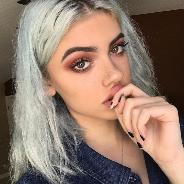 Pin for Later: There Is a Woman Who Looks Like Kylie Jenner and Lucy Hale