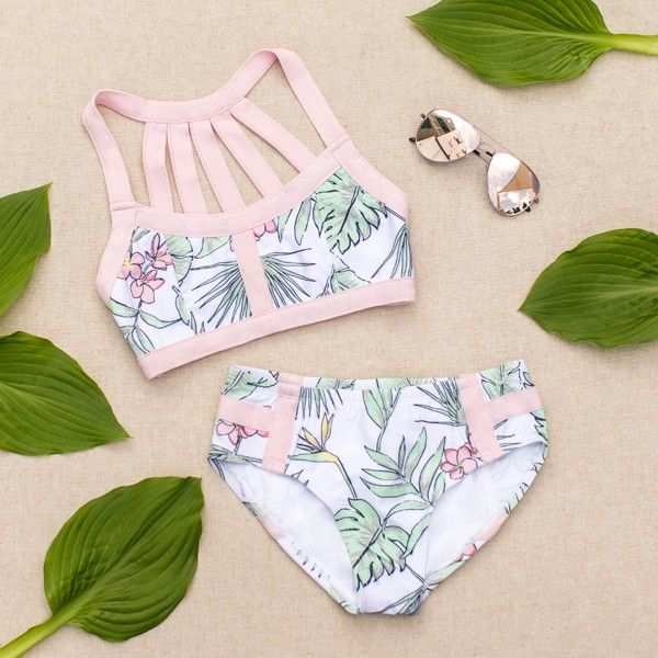 Featuring a beautiful strapped back detail and a lovely tropical inspired print, this swimsuit is the perfect go-to summer piece! Beach Fashion, Cute Bikini, Sexy Bikini