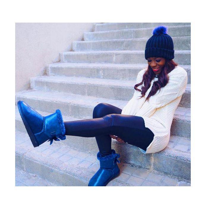 Al #BlueMonday le ponemos una sonrisa  ☺ GET THE LOOK ➡ @adriana_boho ➡ Botas Australianas Azul Metalizado ➡ por SÓLO 29,90€