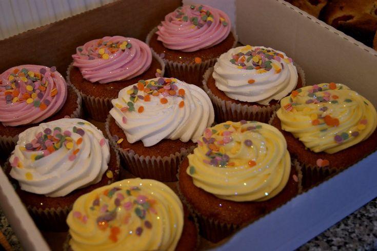 Costco bakery jumbo cupcakes photo costco cupcakes costco