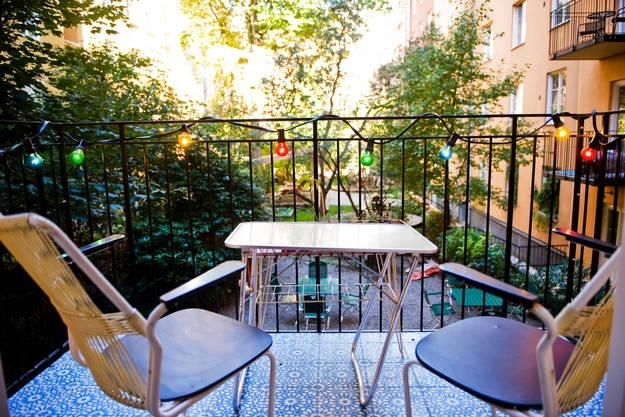 small-balcony-designs-compact-outdoor-furniture-5.jpg (625×417)