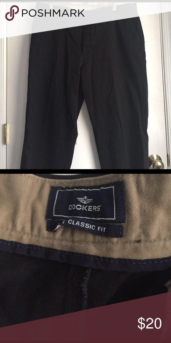 Used Dockers Classic Fit Black Chino Style Pant Black, 40x32. Gently used, in excellent condition! Great for work or a party. Classic fit, soft fabric. K Dockers Pants Chinos & Khakis