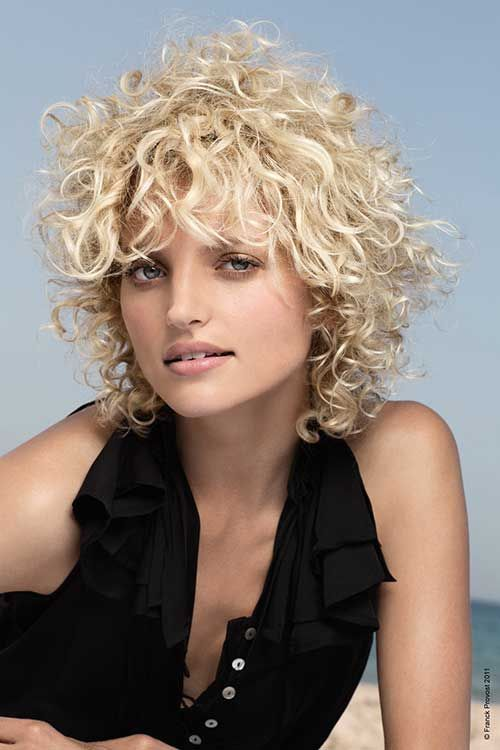 15 Short Haircuts For Curly Frizzy Hair | http://www.short-haircut.com/15-short-haircuts-for-curly-frizzy-hair.html