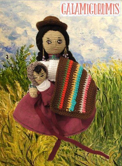 Como os decía ayer, cuando os la mostré, la Pachamama simboliza la maternidad, el triunfo de la vida, las cosechas, lo fértil y la continuidad del ser humano en el planeta. Es mi regalo homenaje al Día de la Madre que se avecina. Aquí os pongo el patrón de esta india del altiplano, formidable herencia …