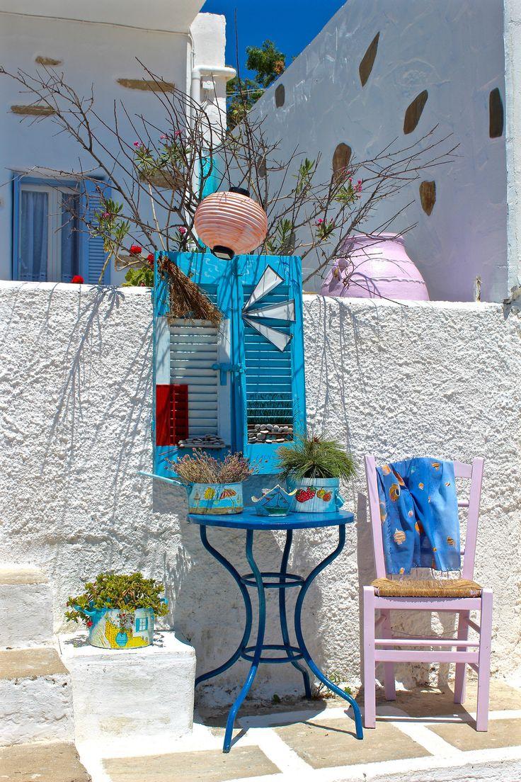 https://flic.kr/p/MX7Cqj | Morning light in Iraklia | A colorful corner in Agios Giorgios