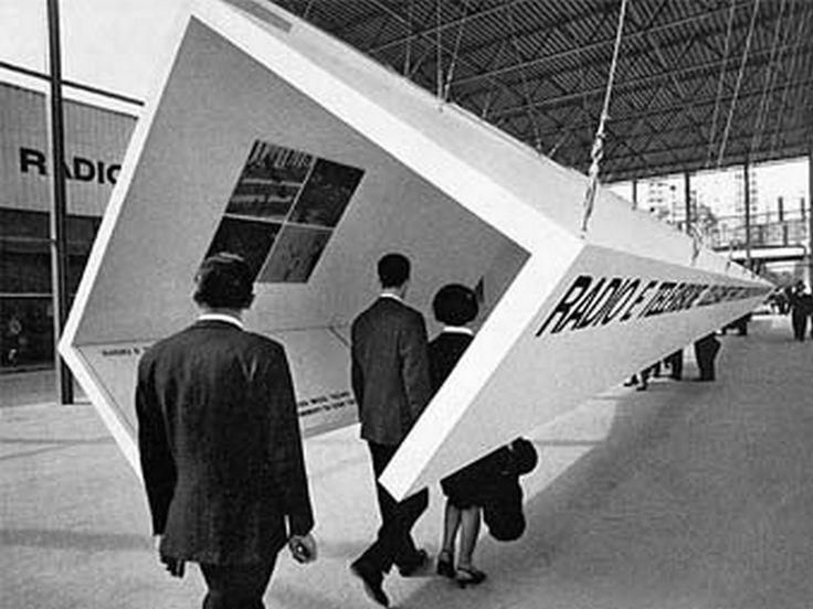 蠻新奇感的時光隧道 可以區分大人與小孩的身高,在同一條時光隧道中做出兩種展覽資訊