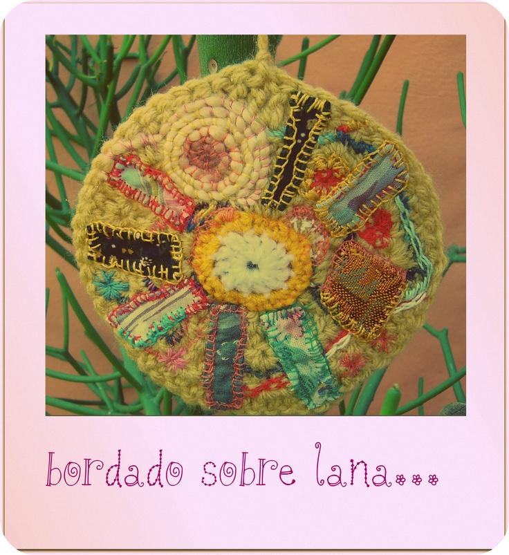 Knitting Embroidery Bordado : Best images about bordados sobre crochet on pinterest