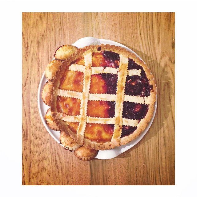 #crostata #marmellata #albicocche #ciliegie #biscuits #cake #italy