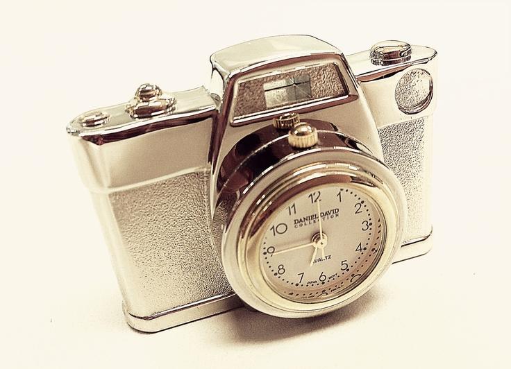 Daniel David collection Quartz Camera Desk watch ...
