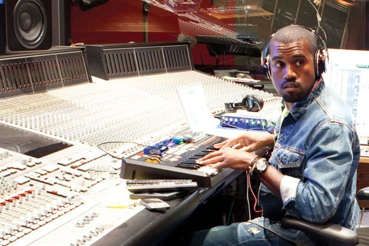 """Kanye West Releases Remixed """"Bed"""" Soundtrack From YEEZY SEASON 5"""