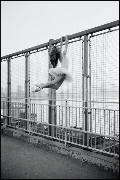 Ballerina Project: Violeta - Williamsburg Bridge.  love
