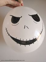 www.manualidadesytendencias.com Detalle Guirnalda de globos Halloween. Halloween garland.