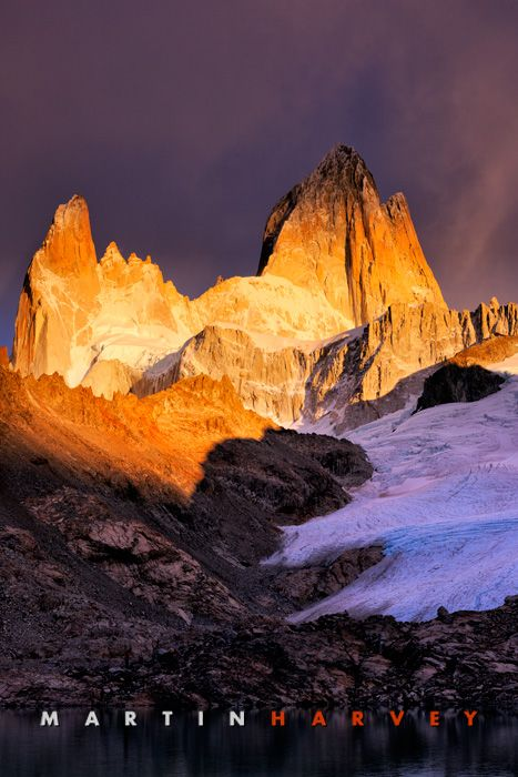 Fitz Roy massif at sunrise. Los Glaciares National Park. Argentina.