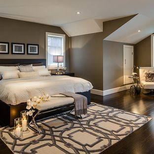 Oooo - I love the color of the walls! And the area rug that pops! #staging #bedroom liked@www.stagedtodaysoldtomorrow.com