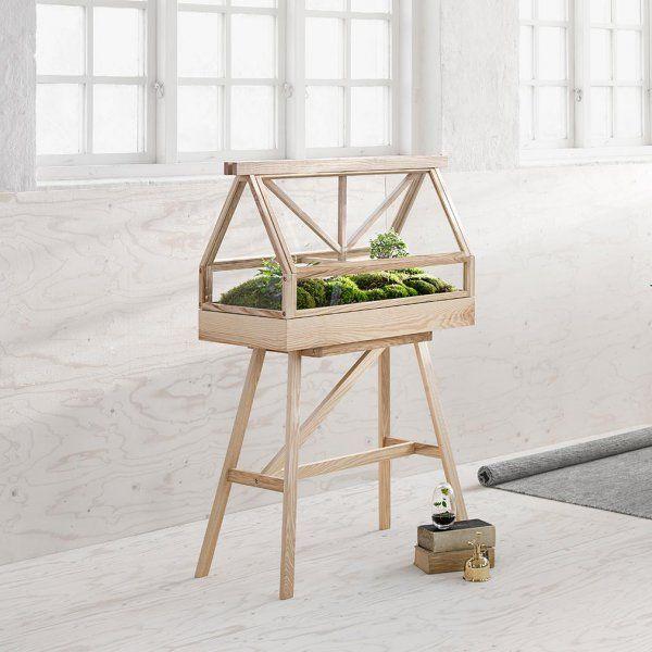 Mini serre en bois, sur pieds, installé dans la maison, Design Stockholm House