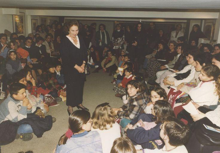 3/1995: Η Άλκη Ζέη καθηλώνει τους μικρούς φίλους του ΙΑΝΟΥ