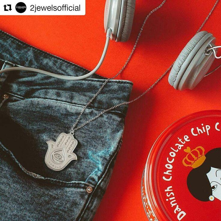 Fatima hand and music!! #2Jewels  Scopri di più su www.2Jewels.it  #jewels #jewelry #necklace  Collana 49,00€ #fashiondetails #jewelry #summeriscoming #trendy #valentinagioielli #officialdealer