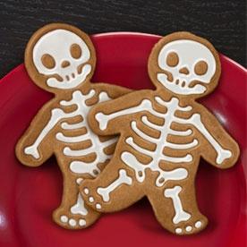 : Halloween Parties, Gingerdead Men, Gingerdeadmen, Men Cookies, Gingerbread Cookies, Cookies Cutters, Gingerbread Man, Gingerbread But, Halloween Cookies