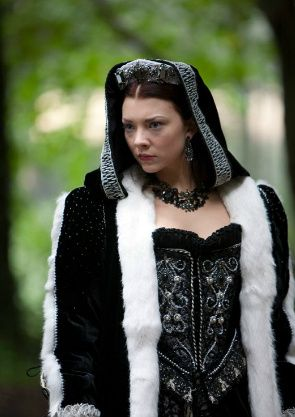 Natalie Dormer as Anne Boleyn, she made bad look soooo good... I love all the clothes they wore on the tudors